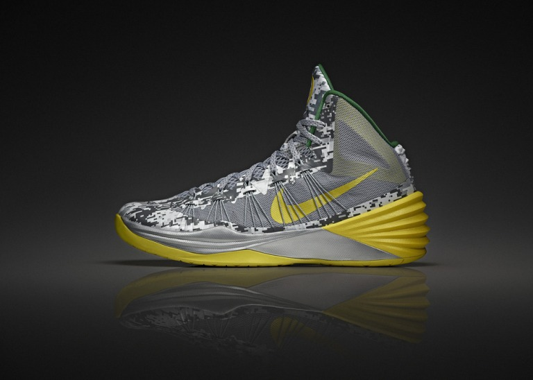 nike-oregon-ducks-armed-forces-classic-hyperdunk-2