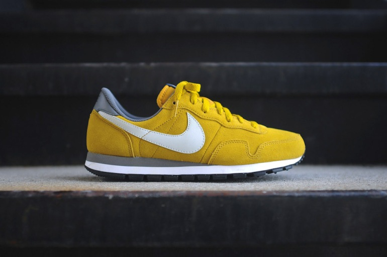 nike-air-pegasus-83-ltr-dark-citron-1