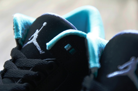 air-jordan-3-retro-gs-black-mint-green-cement-grey-3