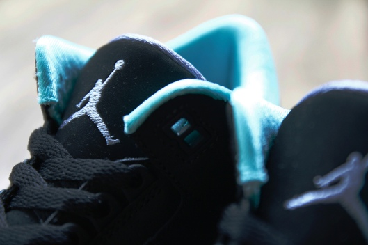 air-jordan-3-retro-gs-black-mint-green-cement-grey-3