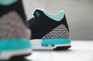 air-jordan-3-retro-gs-black-mint-green-cement-grey-4