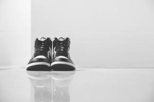 air-jordan-1-retro-high-og-black-white-12