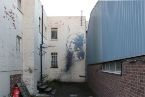 new-banksy-piece-spotted-in-bristol-uk-1