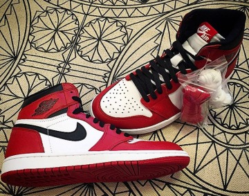 air-jordan-i-1-high-og-chicago-bulls-03