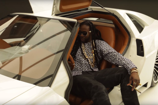 2-chainz-checks-out-west-coast-customs-most-expensivest-delorean-0