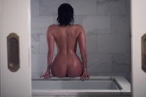 demi-lovato-bares-it-all-for-latest-vanity-fair-photo-shoot-4