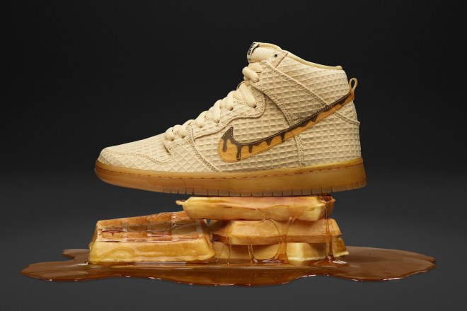 nikes-sb-dunk-high-gets-a-buttery-waffle-colorway-0202.jpg