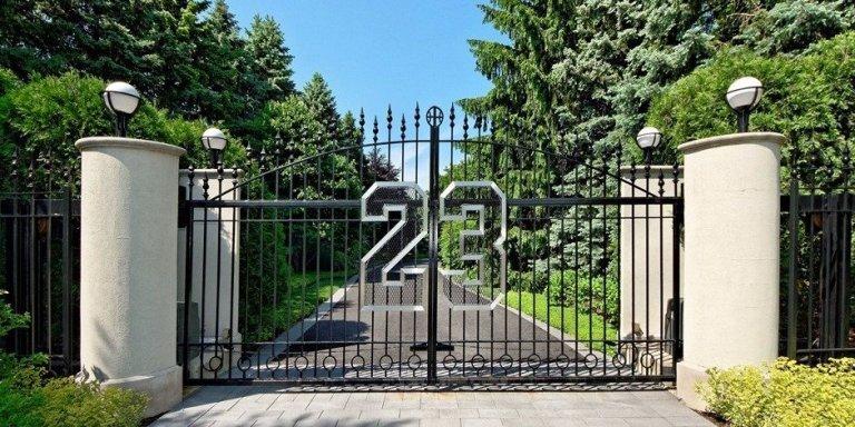 michael-jordan-house-gate.jpg