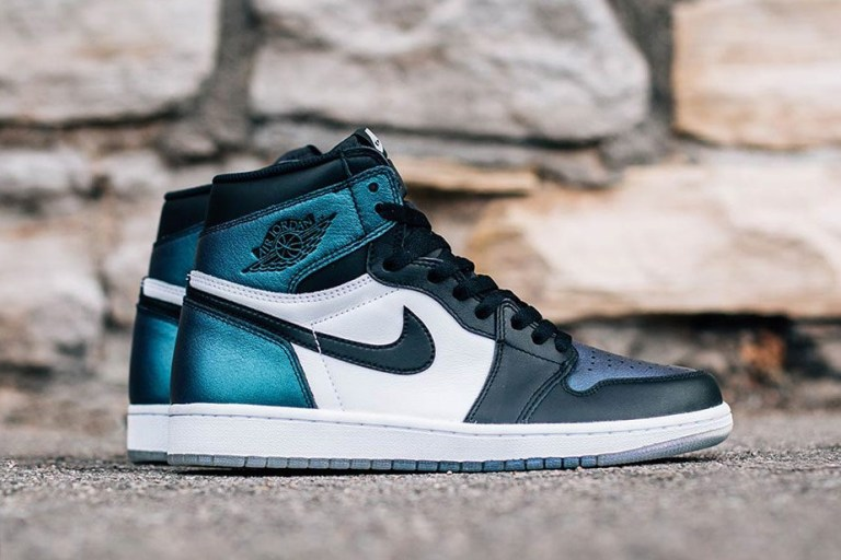 air-jordan-1-retro-high-og-all-star-2.jpg