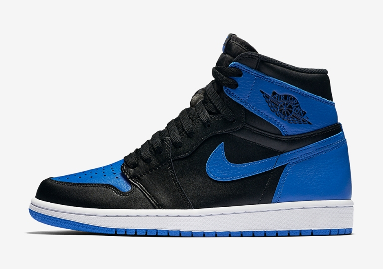 air-jordan-1-royal-official-photos-02
