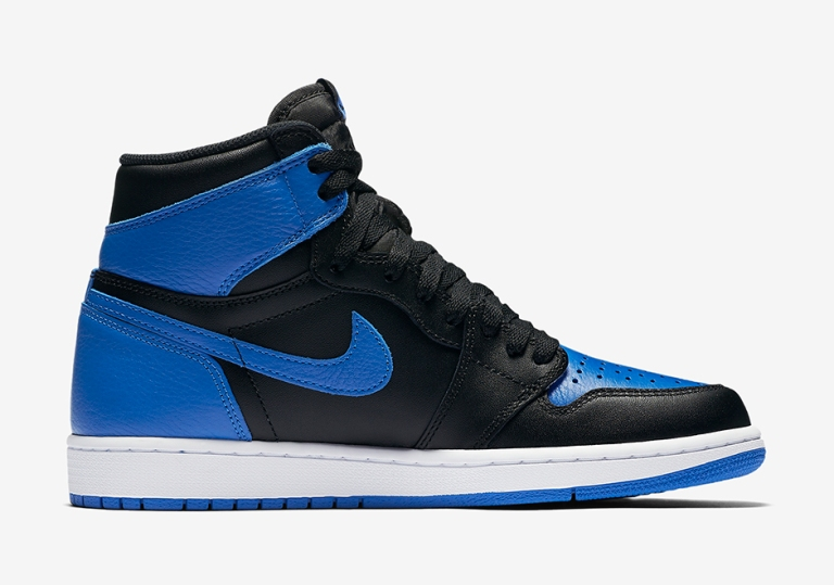 air-jordan-1-royal-official-photos-03.jpg