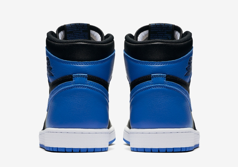 air-jordan-1-royal-official-photos-05.jpg