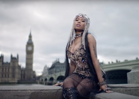 Nicki-Minaj-No-Frauds-video-1492618504-640x460
