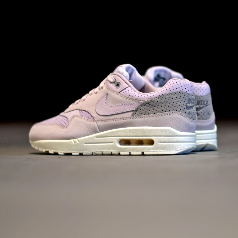nike-air-max-1-pinnacle-bleached-lilac-1.jpg