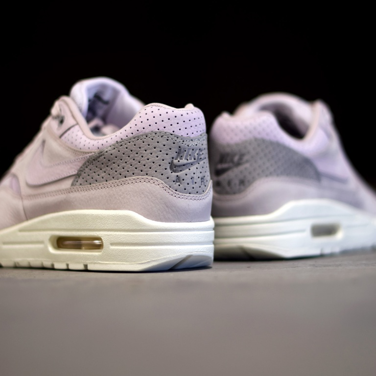nike-air-max-1-pinnacle-bleached-lilac-3.jpg