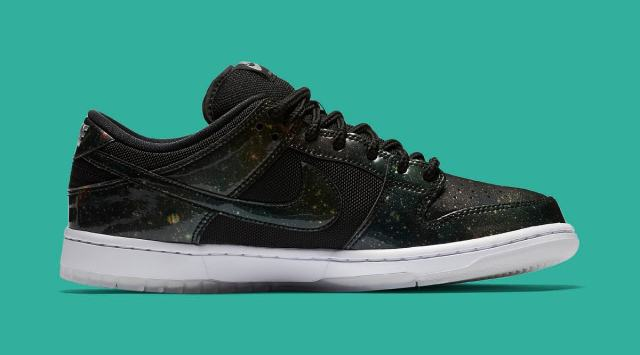 nike-dunk-sb-low-420-883232-001-medial.jpg