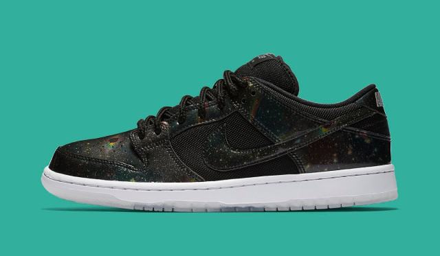 nike-dunk-sb-low-420-883232-001-profile.jpg