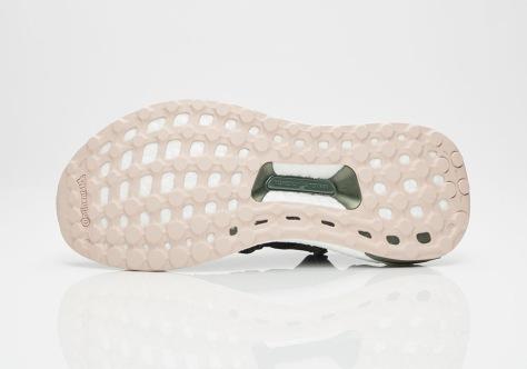 adidas-stella-mccartney-ultra-boost-x-legend-blue-base-green-peach-rose-cg3685-5