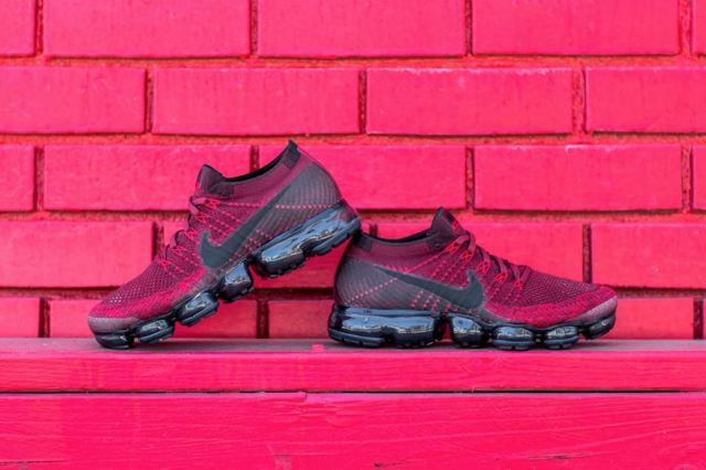http---hypebeast.com-image-2017-07-nike-air-vapormax-dark-team-red-2-0002