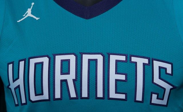 jordan-charlotte-hornets-uniforms-6