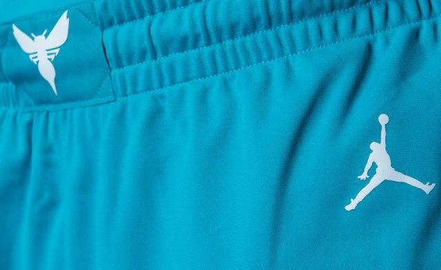 jordan-charlotte-hornets-uniforms-7