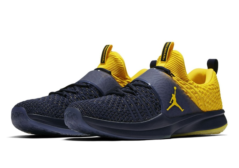 jordan-trainer-2-flyknit-michigan-3