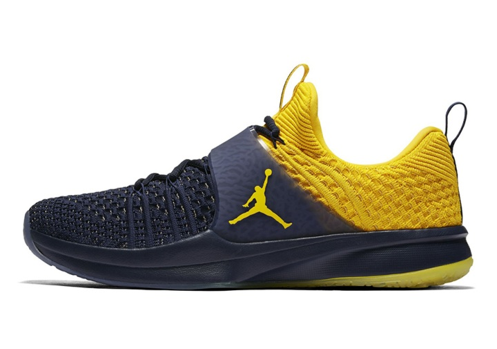 jordan-trainer-2-flyknit-michigan-4