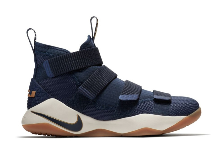 nike-lebron-soldier-11-cavs-alternate-897644-402-02