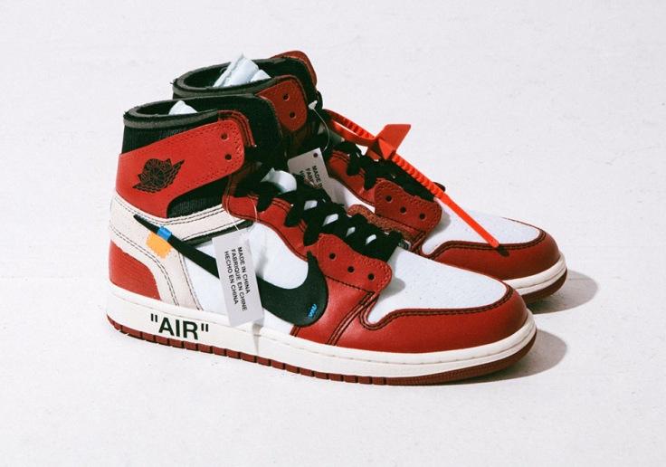 air-jordan-1-off-white-detailed-photos-shoe-box-laces-2