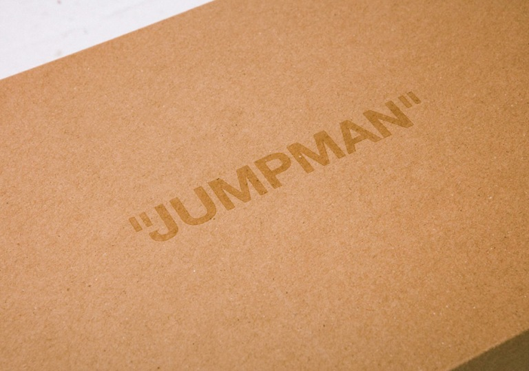 air-jordan-1-off-white-detailed-photos-shoe-box-laces-3