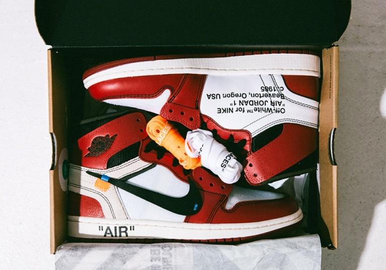 air-jordan-1-off-white-detailed-photos-shoe-box-laces-6