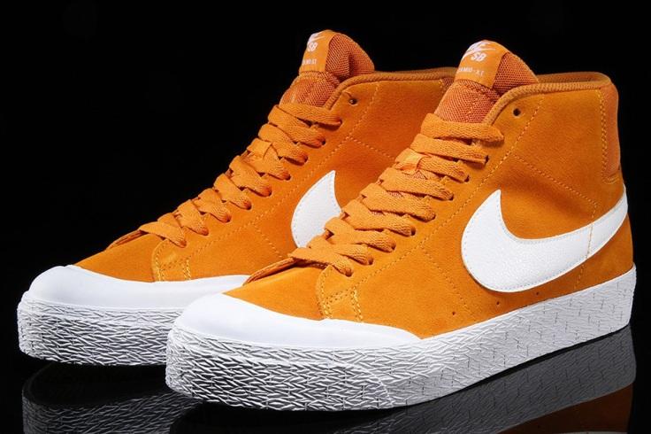 nike-sb-blazer-mid-xt-circuit-orange-03