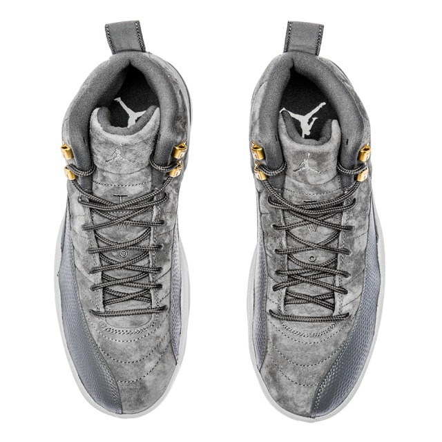 air-jordan-12-dark-grey-photos-130690-005-5