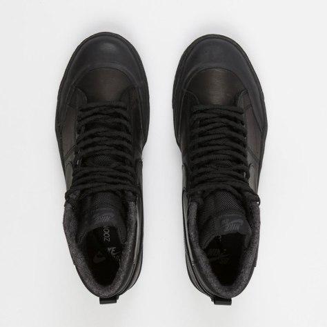 black 884