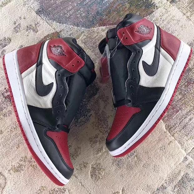 air-jordan-1-bred-toe-555088-610-3