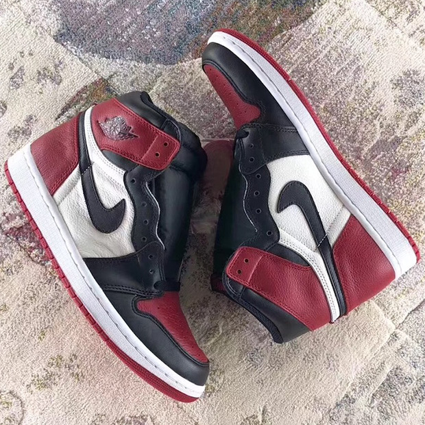 air-jordan-1-bred-toe-555088-610-4
