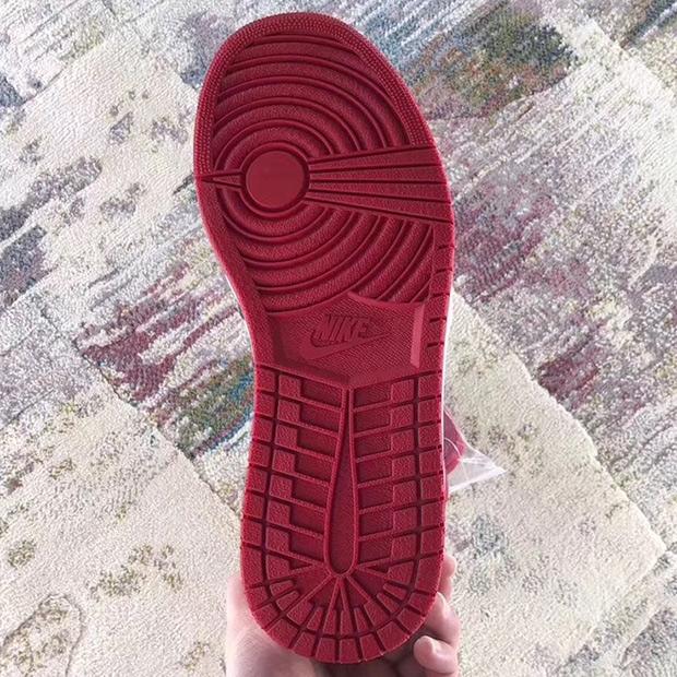 air-jordan-1-bred-toe-555088-610-9