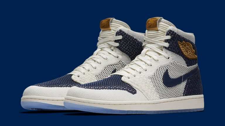 air-jordan-1-flyknit-high-re2pect-ah7233-105-pair