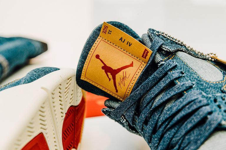 jordan-brand-levis-air-jordan-4-trucker-jacket-3