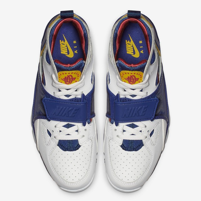 nike-air-trainer-huarache-679083_107-6