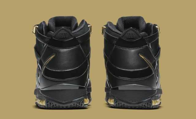 nike-lebron-3-black-gold-retro-ao2434-001-heel