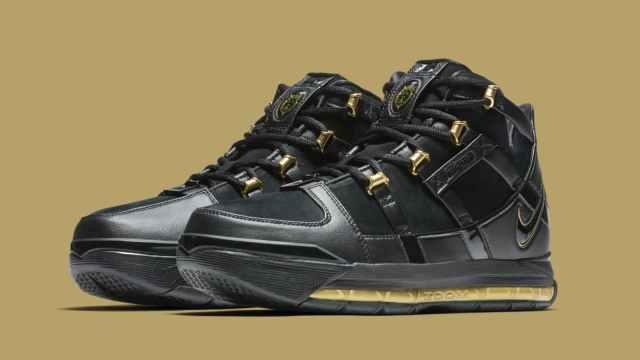 nike-lebron-3-black-gold-retro-ao2434-001-pair