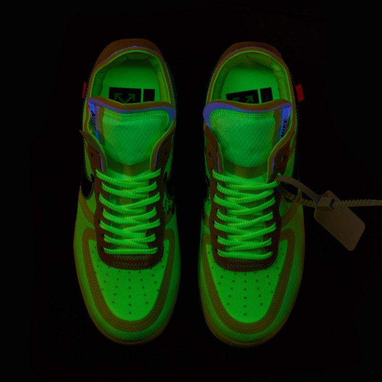 off-white-nike-air-force-1-Volt-AO4606-700-9