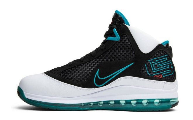 Nike-LeBron-7-3
