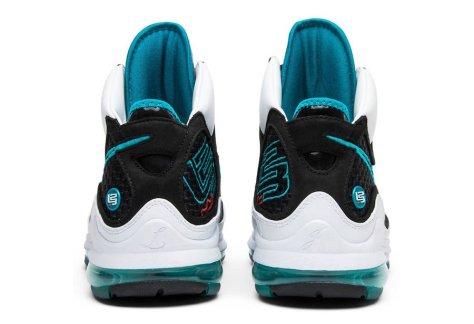 Nike-LeBron-7-4