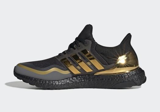 adidas-Ultra-Boost-Black-Gold-EG8102-Release-Date-1