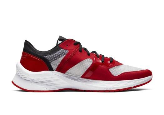 jordan-air-zoom-85-runner-chicago-4