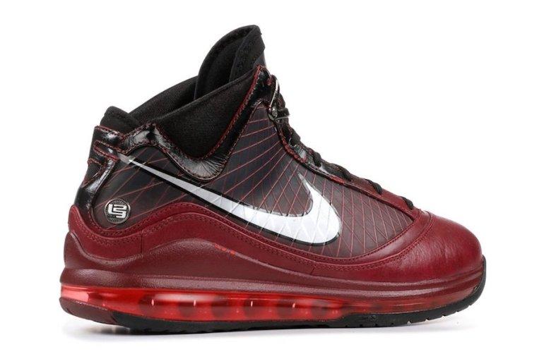 Nike-LeBron-7-Christmas-2019-Release-Date-2
