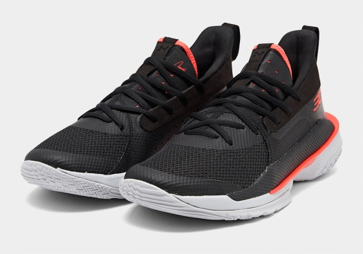 ua-curry-7-black-pitch-grey-beta-red-5