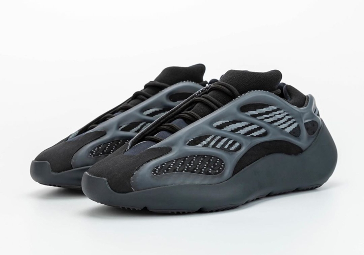 adidas-Yeezy-700-v3-H67799-photos-0
